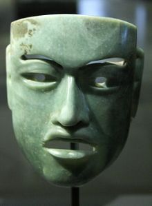 Olmec_mask_in jade 802